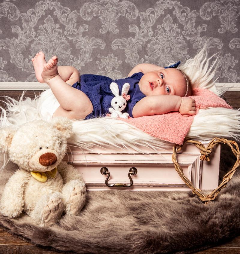Baby Fotoshooting pink in Schublade - Sabrina's Fotostudio in Hamminkeln, zwischen Wesel und Bocholt am Niederrhein