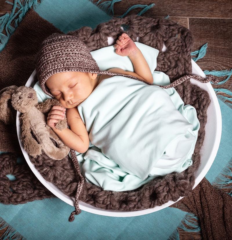 Baby Fotoshooting blau mit Kuscheltier - Sabrina's Fotostudio in Hamminkeln, zwischen Wesel und Bocholt am Niederrhein