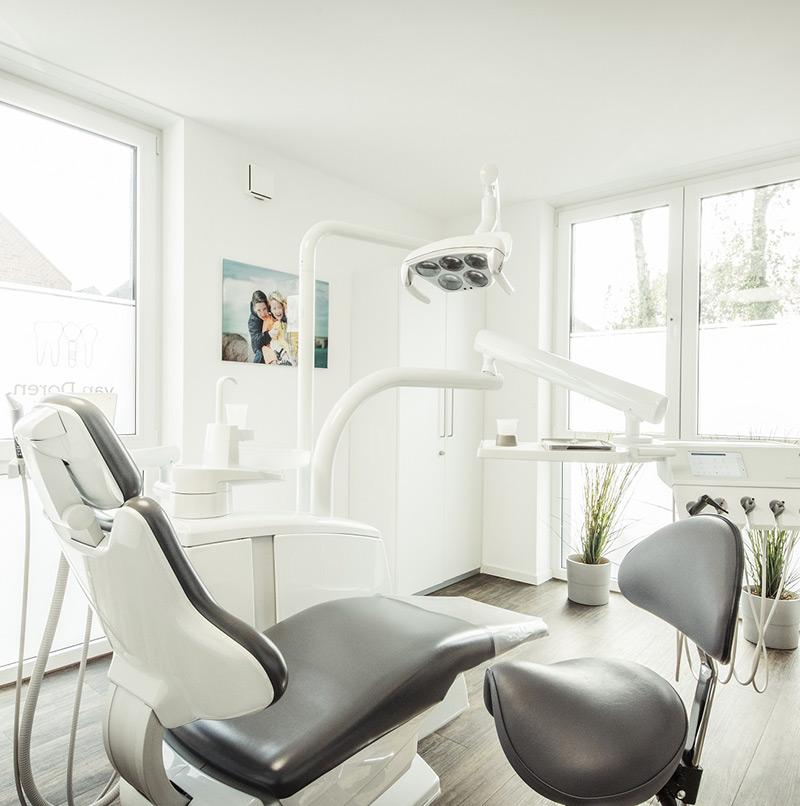 Zahnarzt Fotoshooting Behandlungszimmer - Sabrina's Fotostudio in Hamminkeln, zwischen Wesel und Bocholt am Niederrhein