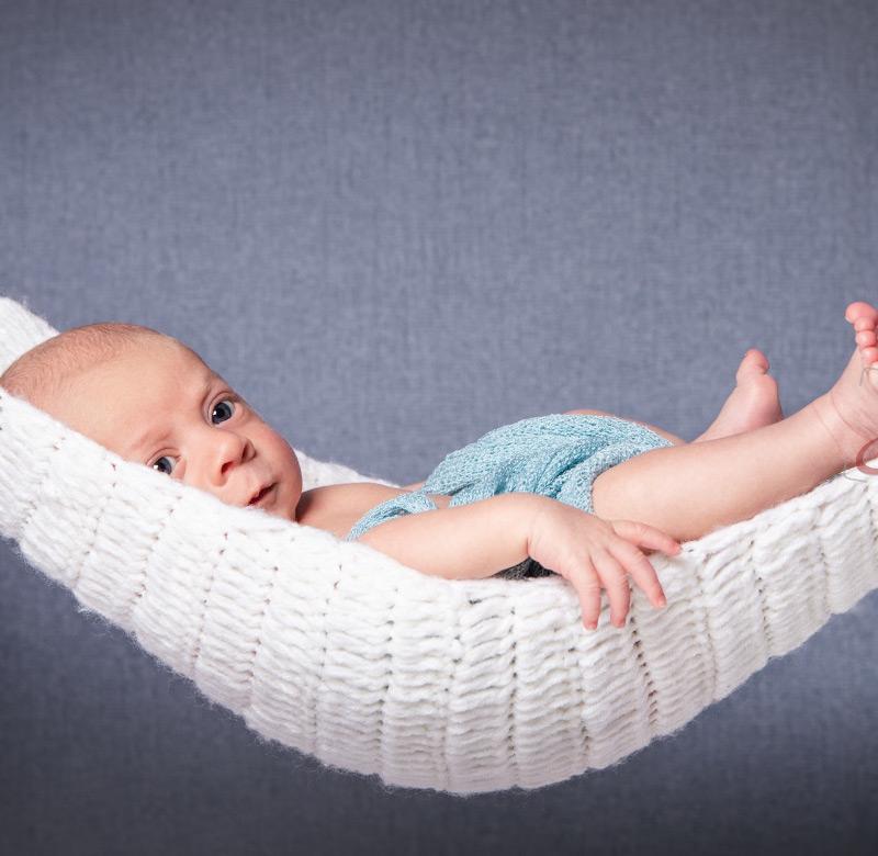 Baby Fotoshooting weiße Hängematte - Sabrina's Fotostudio in Hamminkeln, zwischen Wesel und Bocholt am Niederrhein