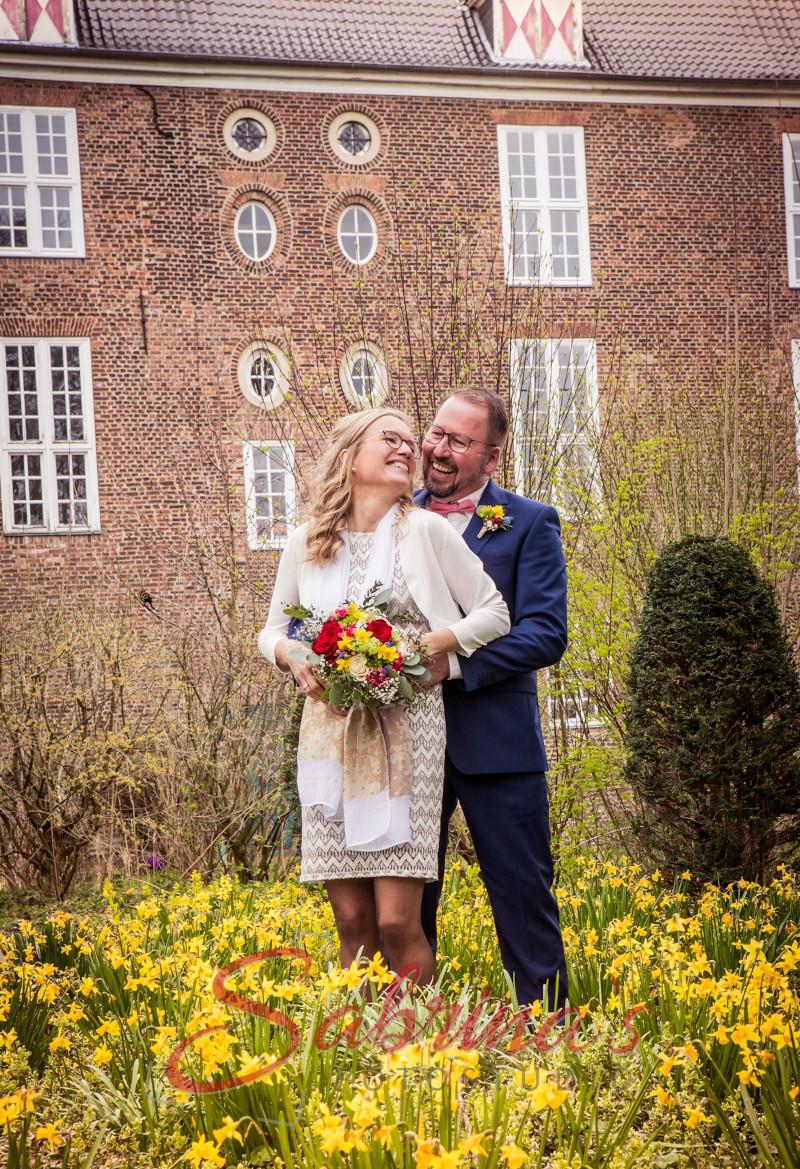 Brautpaar Fotoshooting in Blumenfeld - Sabrina's Fotostudio in Hamminkeln, zwischen Wesel und Bocholt am Niederrhein