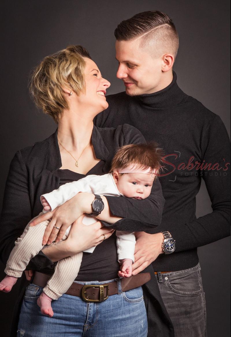 Familien Fotoshooting schwarzes T-Shirt - Sabrina's Fotostudio in Hamminkeln, zwischen Wesel und Bocholt am Niederrhein