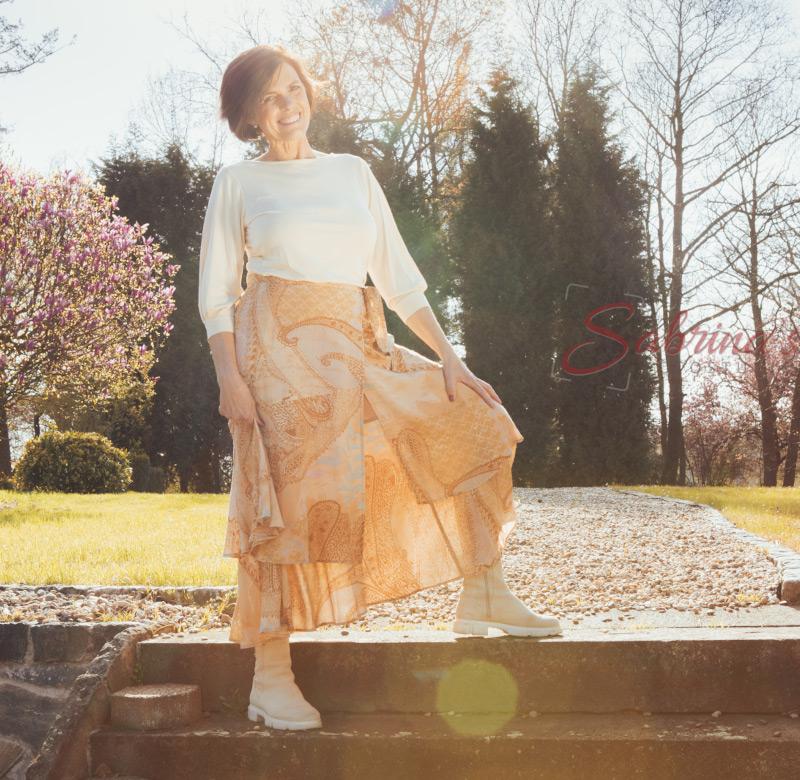 Portrait auf Treppe - Sabrina's Fotostudio in Hamminkeln, zwischen Wesel und Bocholt am Niederrhein