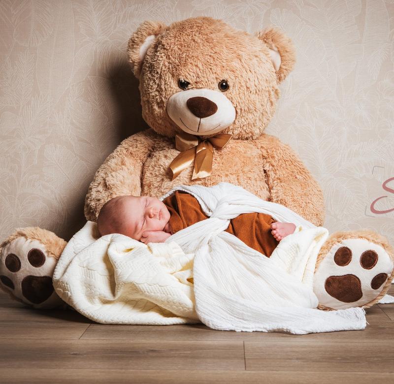 Baby Fotoshooting großer Teddybär - Sabrina's Fotostudio in Hamminkeln, zwischen Wesel und Bocholt am Niederrhein